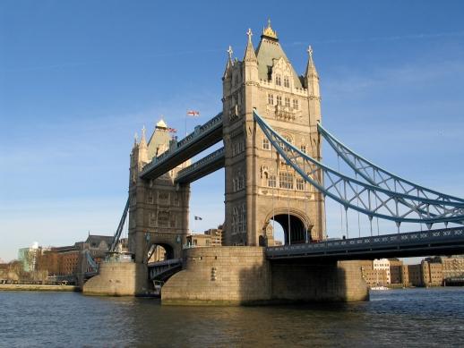Ein Grundwortschatz an Vokabeln ist im England-Urlaub eine große Hilfe